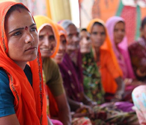 Mulheres e crianças na Índia. Foto: Banco Mundial/Curt Carnemark