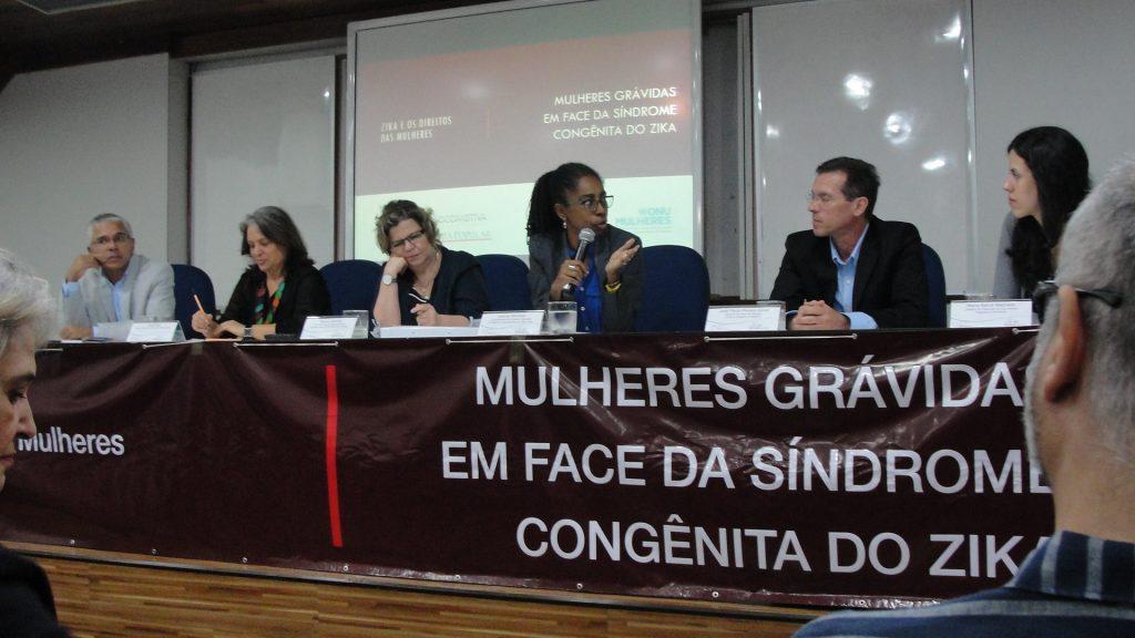 Valcler, Jacira, Nadine, Jurema Werneck e José Paulo Pereira Júnior.
