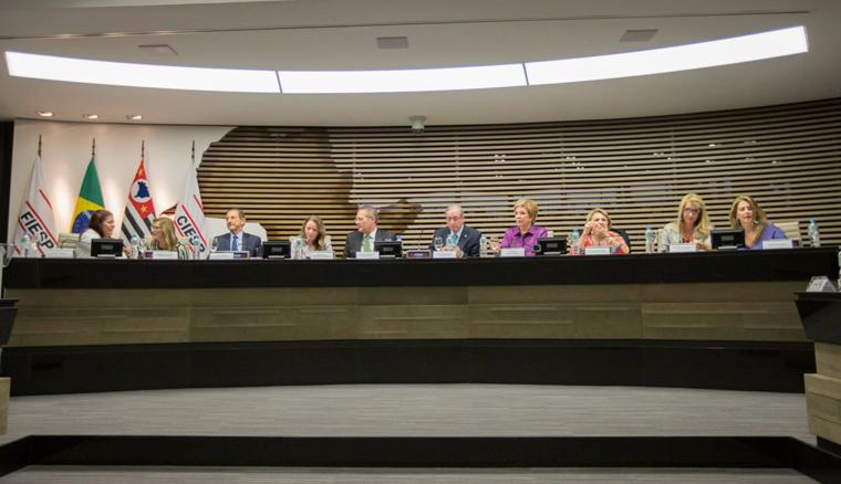 Mesa do evento de lançamento da Campanha na Fiesp (Foto: Patrícia Lino)